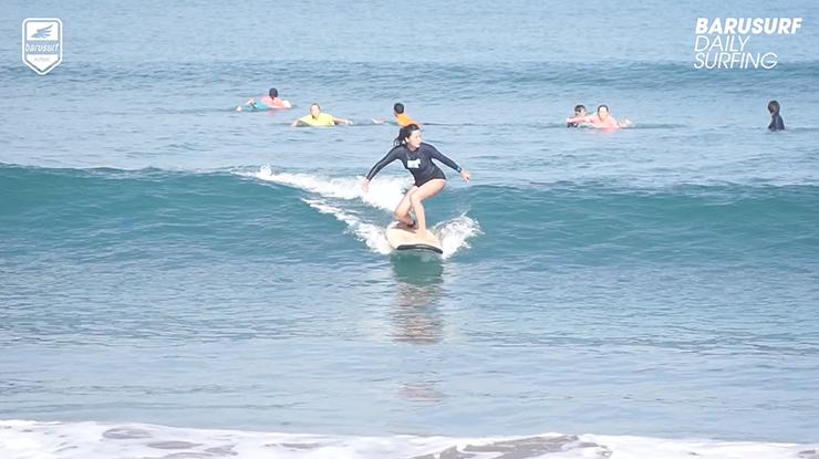 펀 웨이브를 더 펀~하게 즐기는 방법은??? 서핑 버디와 함께 하는 것^^*